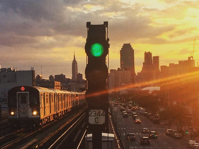 7 train Streetwise New York Queens Walking Tour
